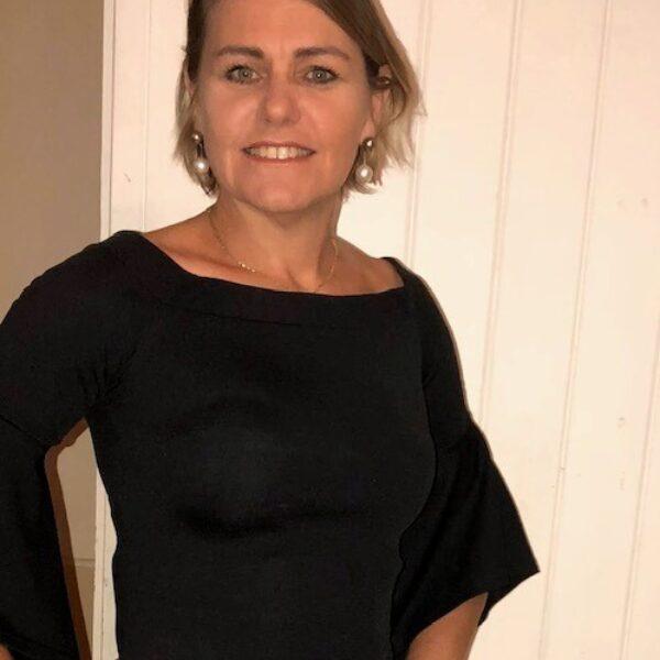 Veronica Mills